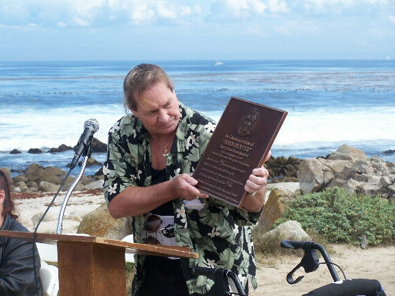 Ron Deutschendorf with memorial plaque